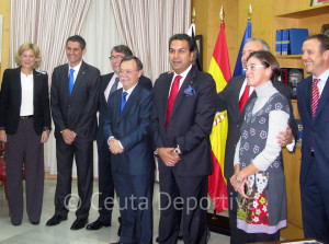 Vivas y miembros de su Gobierno, durante una recepción a federativos