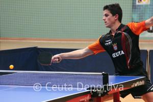 Álvaro Pérez, que ahora juega en el Ciudad de Granada, se ha reencontrado con su ex equipo