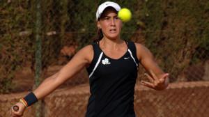 La tenista ceutí Olga Parres, durante un partido