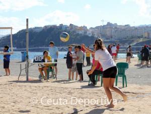 Partido de voley-playa en La Ribera