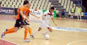 Hamza Maimon está disfrutando del Mundialito de clubes con su equipo el Santiago Futsal