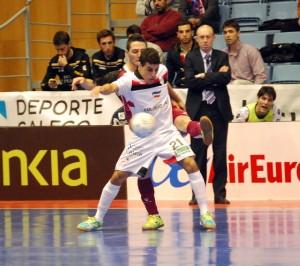 Hamza Maimon abrió el marcador en el segundo partido del Santiago Futsal en el Mundialito