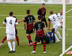 El Ceuta generó pocas ocasiones de gol ante el Gerena en la última jornada