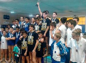 Imagen del podio de la fase final de la competición andaluza infantil de waterpolo