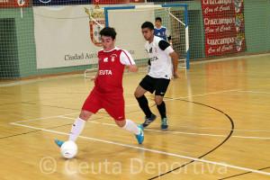 Una acción del partido disputado este lunes en el pabellón 'Guillermo Molina'